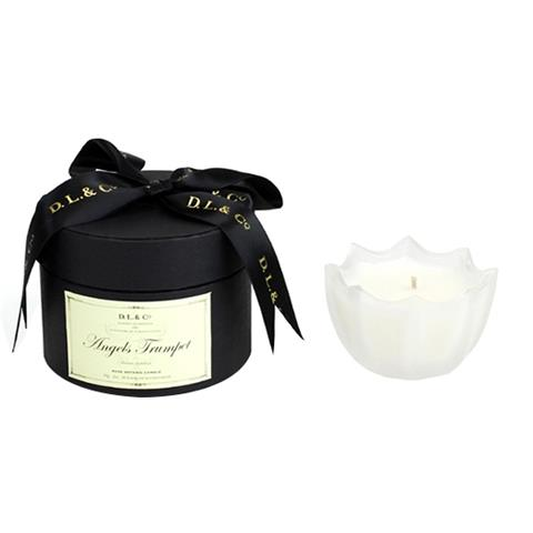 D.L. & Co. Angels Trumpet Scalloped Candle 2oz